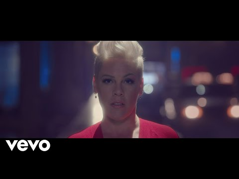 Video P!nk - Walk Me Home