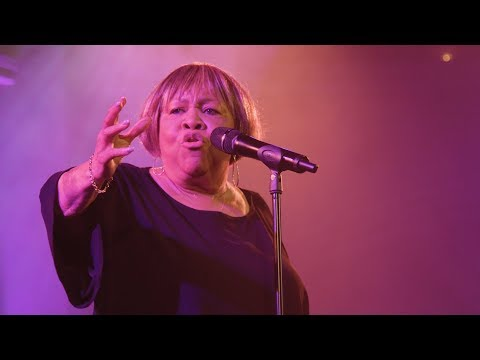 Video Mavis Staples - 'No Time For Cryin'' (Live)